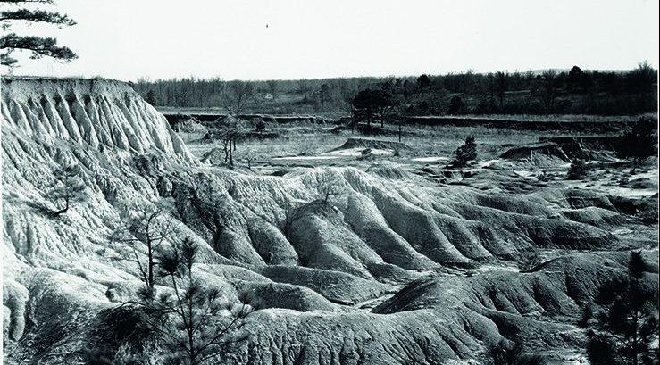 Walker-Evans-Erosion-Mississippi-1936-sm-e1490109334668